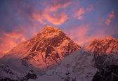 Monte everest puesta del sol — Foto de Stock