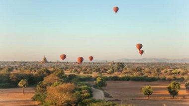 Air Ballons Bagan Temples — Stock Video