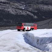 Snowcoach. — Stock Photo