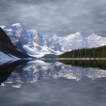 Moraine lake. — Stock Photo
