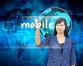 Escrita de mão de mulher de negócios móvel — Foto Stock