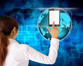 実業家の手押すタブレット コンピューター — ストック写真