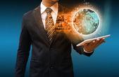 Biznesmen posiadania światowej sieci społecznej — Zdjęcie stockowe