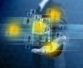 Biznesmen gospodarstwa telefon komórkowy — Zdjęcie stockowe