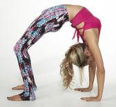 Yoga kvinnan pose position — Stockfoto