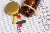 Medications removed from the container — Stock Photo