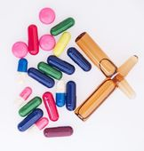 Many colored pills for effective treatment — Stock Photo