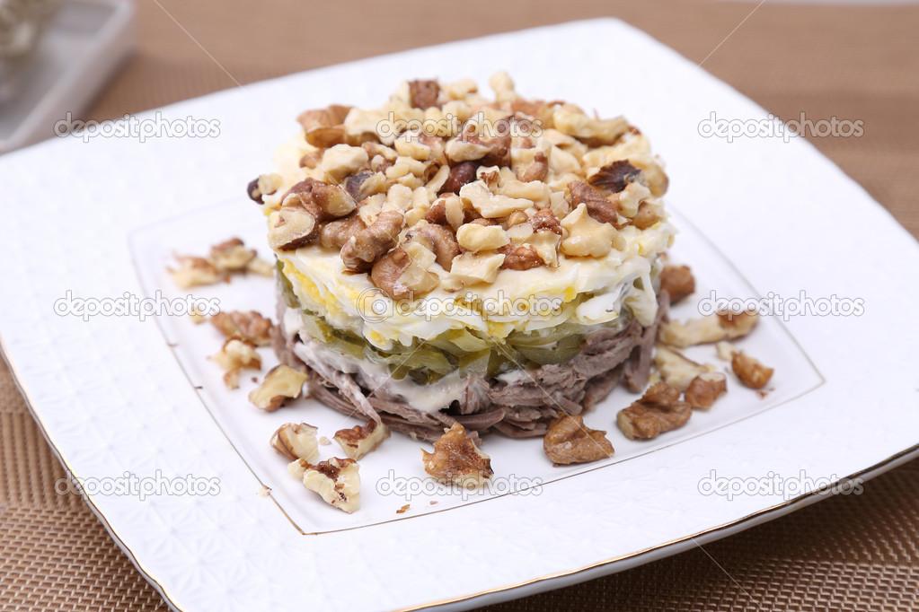 Салат мужской каприз с грецким орехом рецепт с