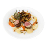 Roasted fillet of deer with assorted wild mushrooms — Foto Stock