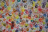 Stary mur z kolorowych graffiti — Zdjęcie stockowe