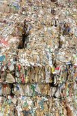 Paper and cardboard compressed for recycling — 图库照片