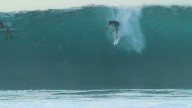 Surfer Gets Barreled In Slow Motion — Stock Video