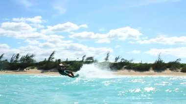 Kite Boarding Trick In Ocean — Stock Video