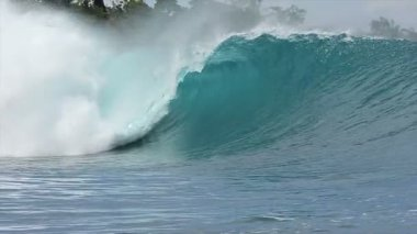 Slow Motion Blue Ocean Wave — Stock Video