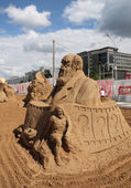 PERM - JUNE 10: Sand sculpture Charles Darwin at festival White — Stock Photo