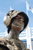 PERM, RUSSIA - JUN 15, 2013: Living sculpture golden woman at Wh — Foto Stock