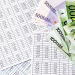 Calculation money — Stock Photo #51649981