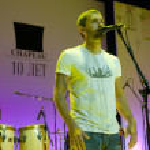 ������, ������: A group of Uma Turman singer Vladimir Krestovsky
