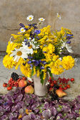 Still Life Bouquet Of Yellow Flowers — Stock Photo