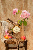 Still life with peaches and pink hydrangea — Stok fotoğraf