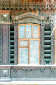 Curved wooden traditional russian window — Stock fotografie