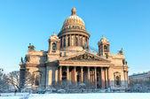 Katedrála svatého isaak v zimě. St.Petersburg, Rusko — Stock fotografie
