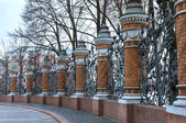 The railing of Michael (Mikhaylovsky) Garden. St. Petersburg, Russia — Stok fotoğraf