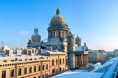 St. Isaak cathedral in winter. St.Petersburg, Russia — Photo