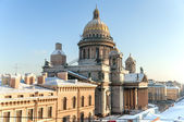 St. Isaak cathedral in winter. St.Petersburg, Russia — Stock Photo
