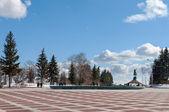 Piazza vicino al monumento di salavat yulaev ufa, bashkortostan, russia — Foto Stock