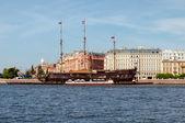 Vessel in St Petersburg — Stock Photo