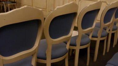 Auditorium empty seats, concert hall with Baroque chairs — Vídeo de Stock