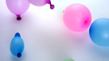 Falling colored balloons, slow motions, No.02 — Stock Video