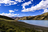 озеро ямдрок — Стоковое фото