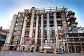 Röret vid gas bearbetning fabriken — Stockfoto