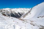 Montanhas nevadas no inverno — Foto Stock