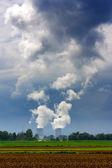 Centrale nucleare, torri di raffreddamento — Foto Stock