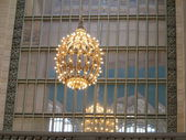 Beautiful Art Deco Lighting brights interior of Grand Central Central Station in New York City — Stock Photo