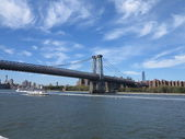 New York City Bridge With Colorful Blue Sky and Cloud Formation — Stock Photo
