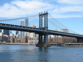 Manhattan Bridge With New York Skyline and Nice Blue Sky — Stock Photo