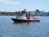 Barco de bombero de nueva york en servicio activo — Foto de Stock