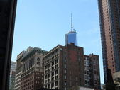 Freedom Tower in the distance trumps over old historic architecture in New York — Stock Photo