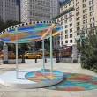New York Taxi Cabs and Public Fund for Art Sun Catcher Exhibit at City Hall Park in 2013 — Stockfoto