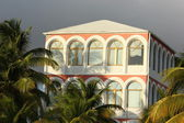 Colorful hotel or resort buildings along the beach at Philipsburg St Maaten — Stock Photo