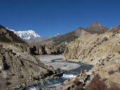 Marsyangdi River And Tilicho Peak — Stock Photo