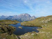 High mountain and lake — Stock Photo