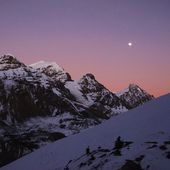 Pink sunset in the Himalayas — Stock Photo