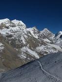 Purbung Himal and footpath — ストック写真