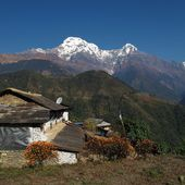 Idyllic landscape in the Annapurna Conservation Area, Ghandruk — Stock Photo