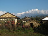 Snow capped Annapurna range, view from Ghalegaon — Stock Photo